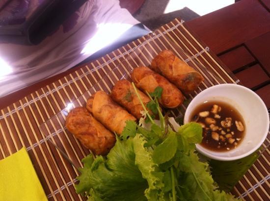 La Maison Thai : best spring rolls ever!!