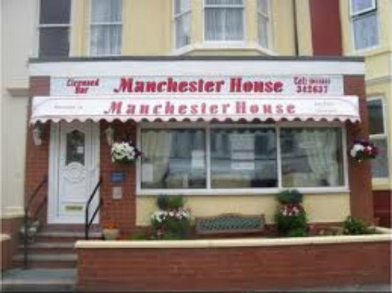 Manchester House: Front of Hotel..