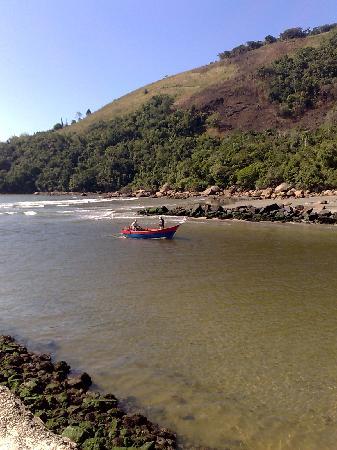 Maranduba Beach: rio Maranduba