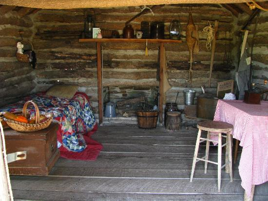 innenansicht picture of little house on the prairie museum independence tripadvisor. Black Bedroom Furniture Sets. Home Design Ideas