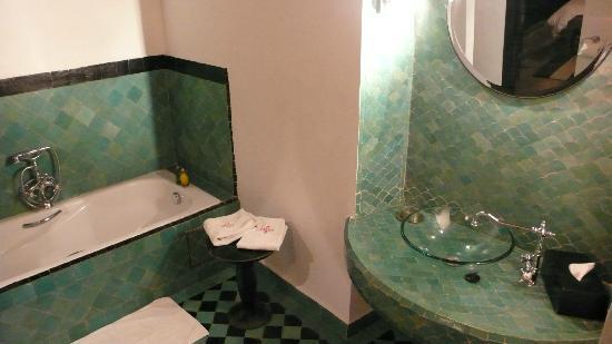 Riad Al Assala Medina: バスルーム