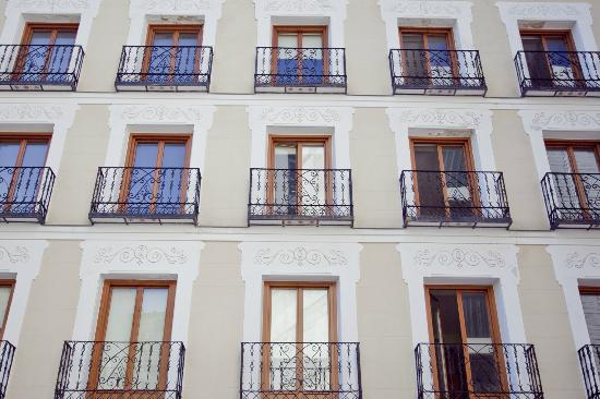 Palafox Central Suites: Exterior