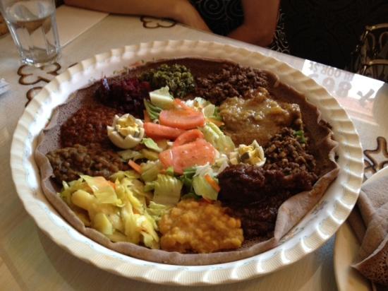 Lalibela Restaurant: Meat and Veg Combination