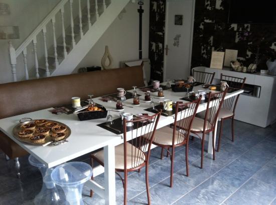Le Clos St Paul: breakfast