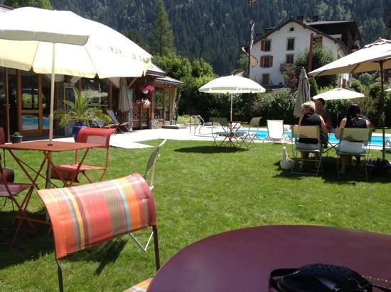 Hotel L'Oustalet: piscine