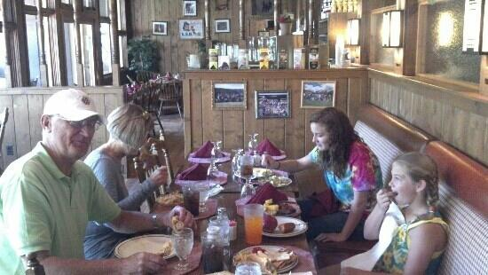 Harmel's Ranch Resort: Buffet after arriving. Food is fresh, delicious and great variety (even my picky 11 yr old was h
