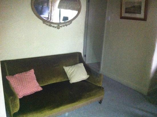 Riber Hall: Room 8 Small settee