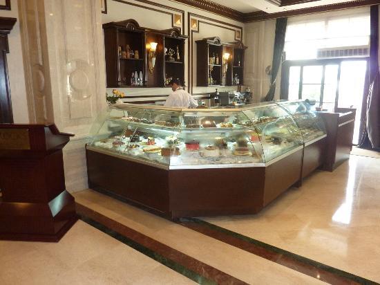 Rocks Hotel Casino : Hotel Cafe (Lush Cakes)