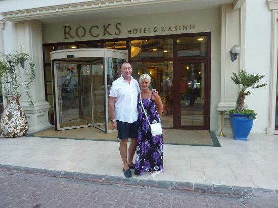 Rocks Hotel Casino : Main Entrance To Hotel