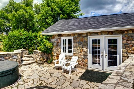 The Waring House: Vineyard View Cottage