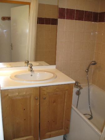 Résidence Les Cristallines : salle de bain