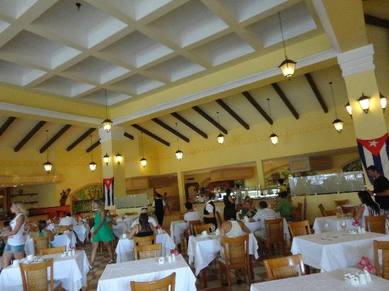 Paradisus Princesa del Mar Resort & Spa: Restaurant (buffet system)