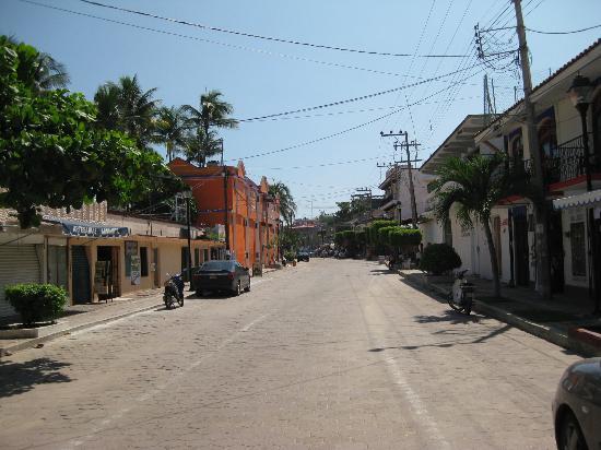 Hotel Casa Blanca: strada dell'hotel