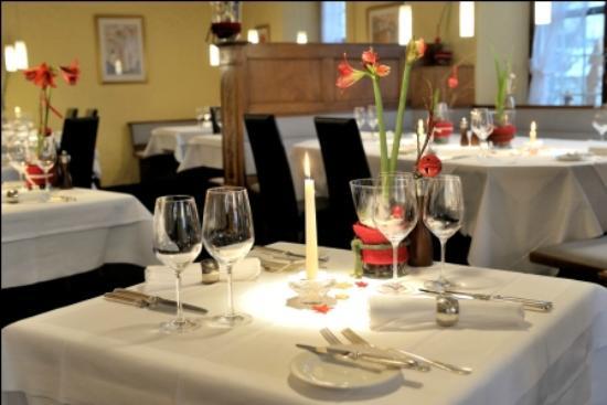 Hotel Baeren Suhr : Restaurant Bärenstübli