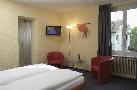 Hotel Baeren Suhr : Hotelzimmer
