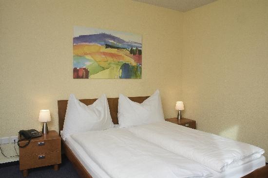 Hotel Baeren Suhr : Doppelzimmer