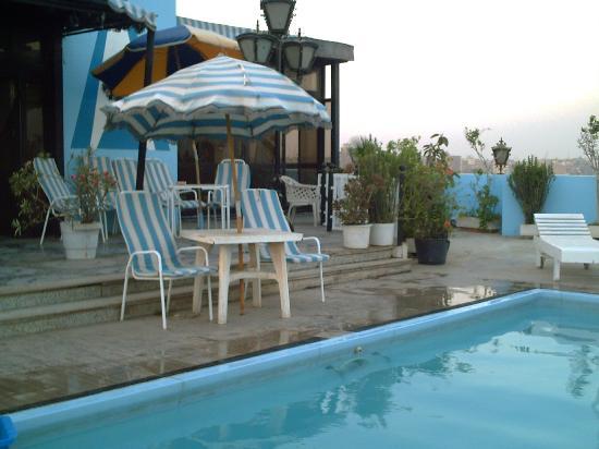 Europa Hotel: piscine sur le toit
