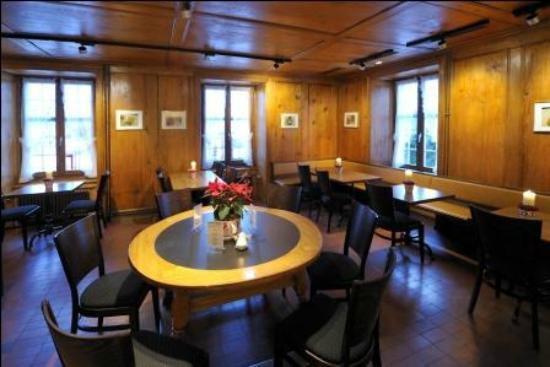 Hotel Baeren Suhr : Restaurant Suhrerstübli