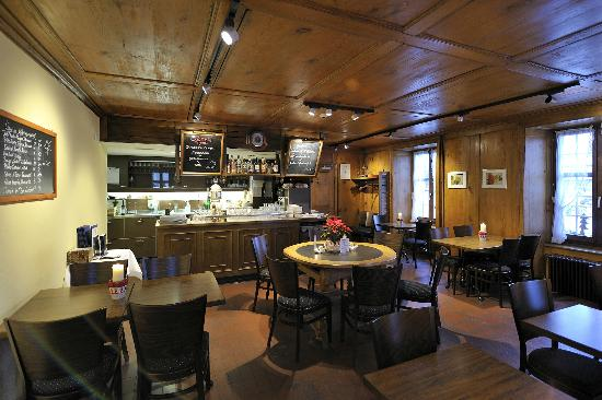 Hotel Baeren Suhr : Restaurant Suhrestübli