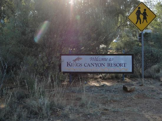 Kings Canyon Resort Campground: Ingresando al lugar