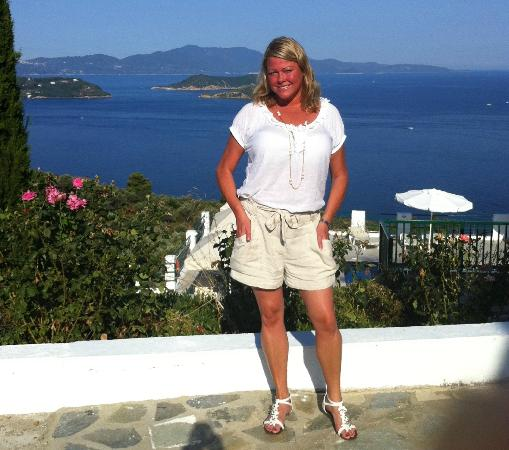 Skiathos Club Hotel Suites: Standing infront of my hotel room.