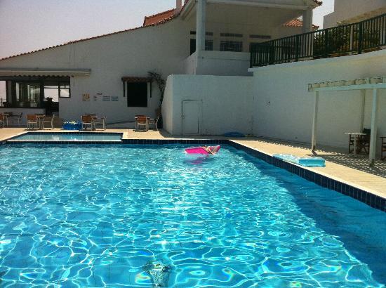 Skiathos Club Hotel Suites: Pool area. 