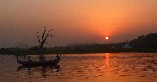 Innwa: Sunset view