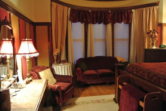 Viroqua Heritage Inn: Charlotte's Room