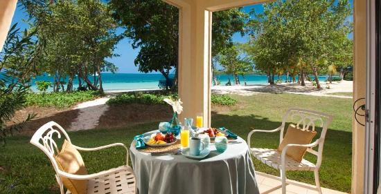 Sandals South Coast: Honeymoon Beachfront Walkout Room