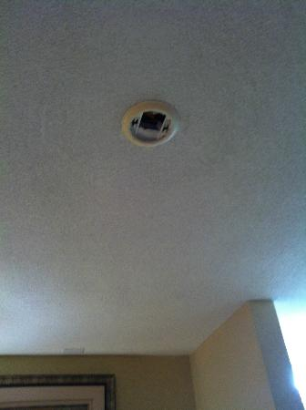Quality Inn: Smoke Detector?