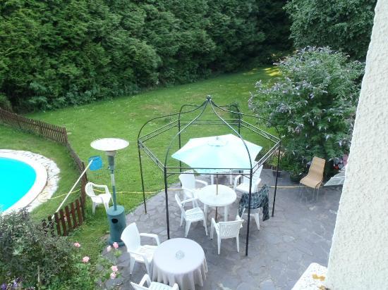 La Cambriere : salon de jardin