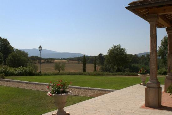 Podere Sant'Angelo: The landscape around the property
