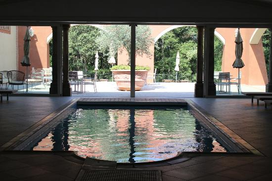 Podere Sant'Angelo: The indoor swimming pool - decadent