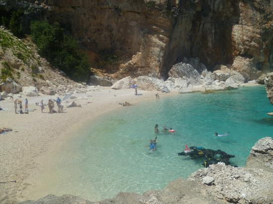 B&B Antico Telaio: Playa Cala Mariolu