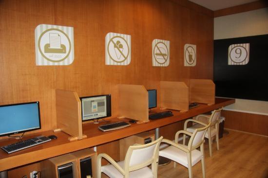 Amara Wing Resort Kemer: Интернет кафе
