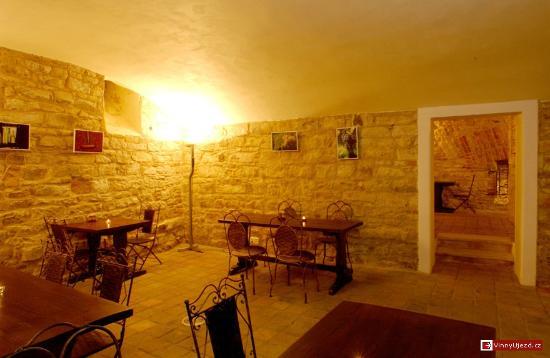 Vinny Sklep Ujezd: Atmospheric cellar