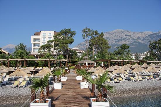 Amara Wing Resort Kemer: Вид с пирса