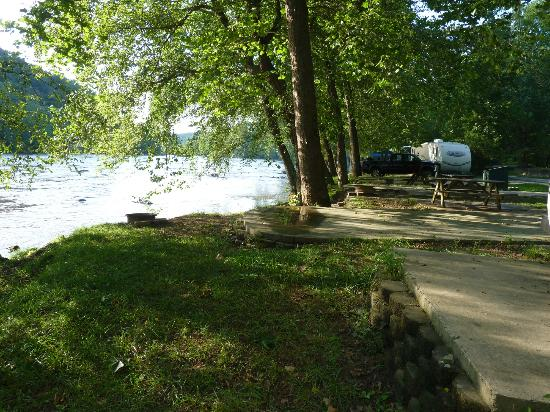 French Broad River Campground: RV Campsites