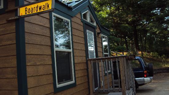 Wisconsin Dells KOA: studio cabin