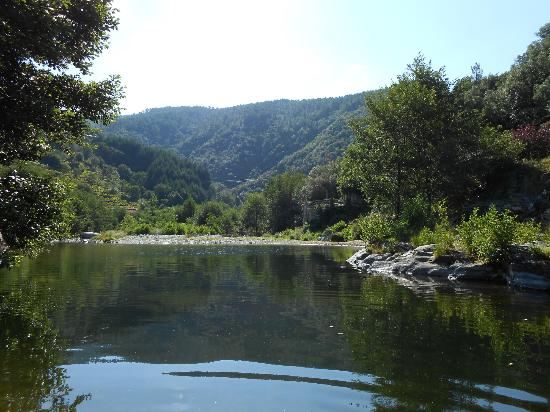 Le Sentier des Arches : The natural pool - beats a swimming pool