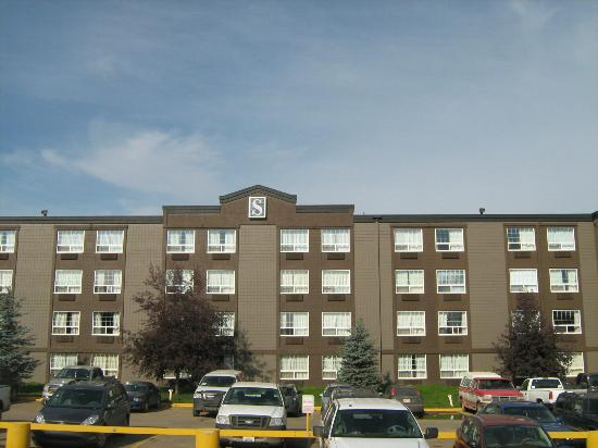 Stonebridge Hotel Fort McMurray: Tower Side of Hotel