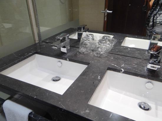 abba Huesca Hotel: Salle de bain