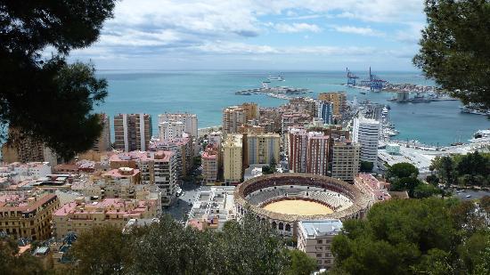 Blick auf Malaga: fotografía de Parador de Malaga Gibralfaro ...