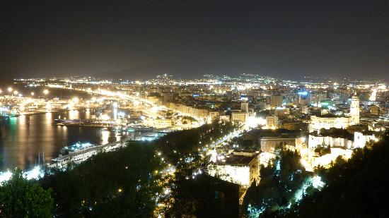blick auf malaga bild von parador de malaga gibralfaro m laga tripadvisor. Black Bedroom Furniture Sets. Home Design Ideas
