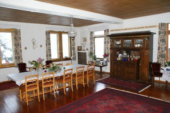 Haus Schonegg BnB: Dining Room