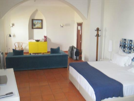 Albergaria do Calvario: Notre belle grande chambre 2