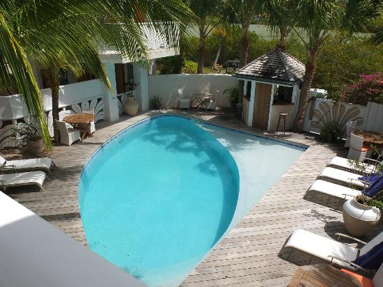 Hotel Les Ondines Sur La Plage: Vue sur la petite piscine d'eau douce