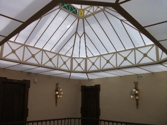 هوتل مونتليريو: atrium 