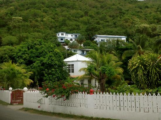 Agape Cottages: agape from beach