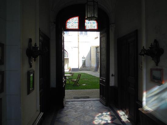 Chateau de Ternay: Innenhof